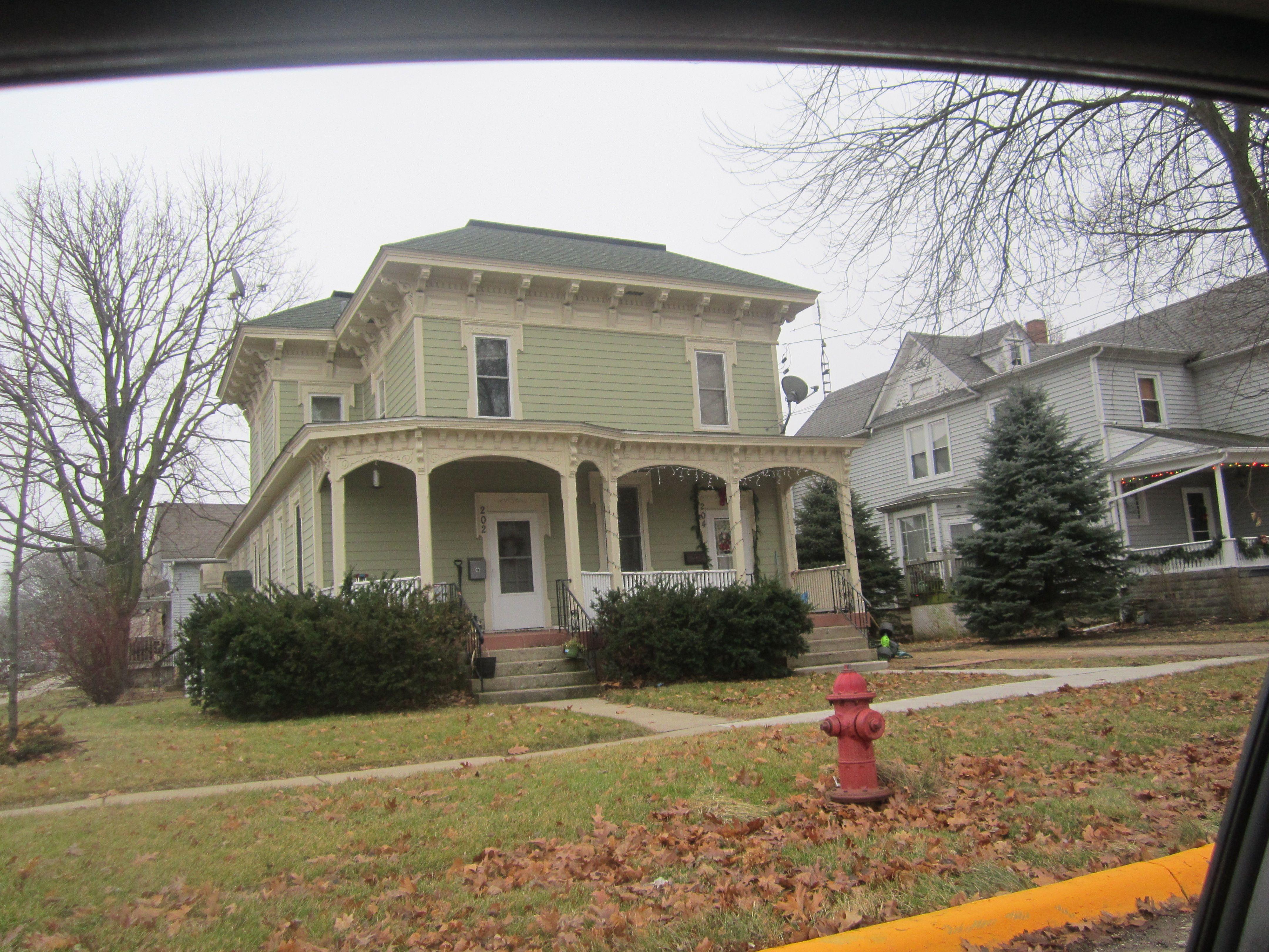 Common Sycamore house style- Italianate