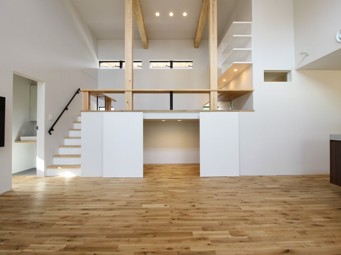 House Med L P Soh 住宅リフォーム ロフト インテリア ミニマリストハウス