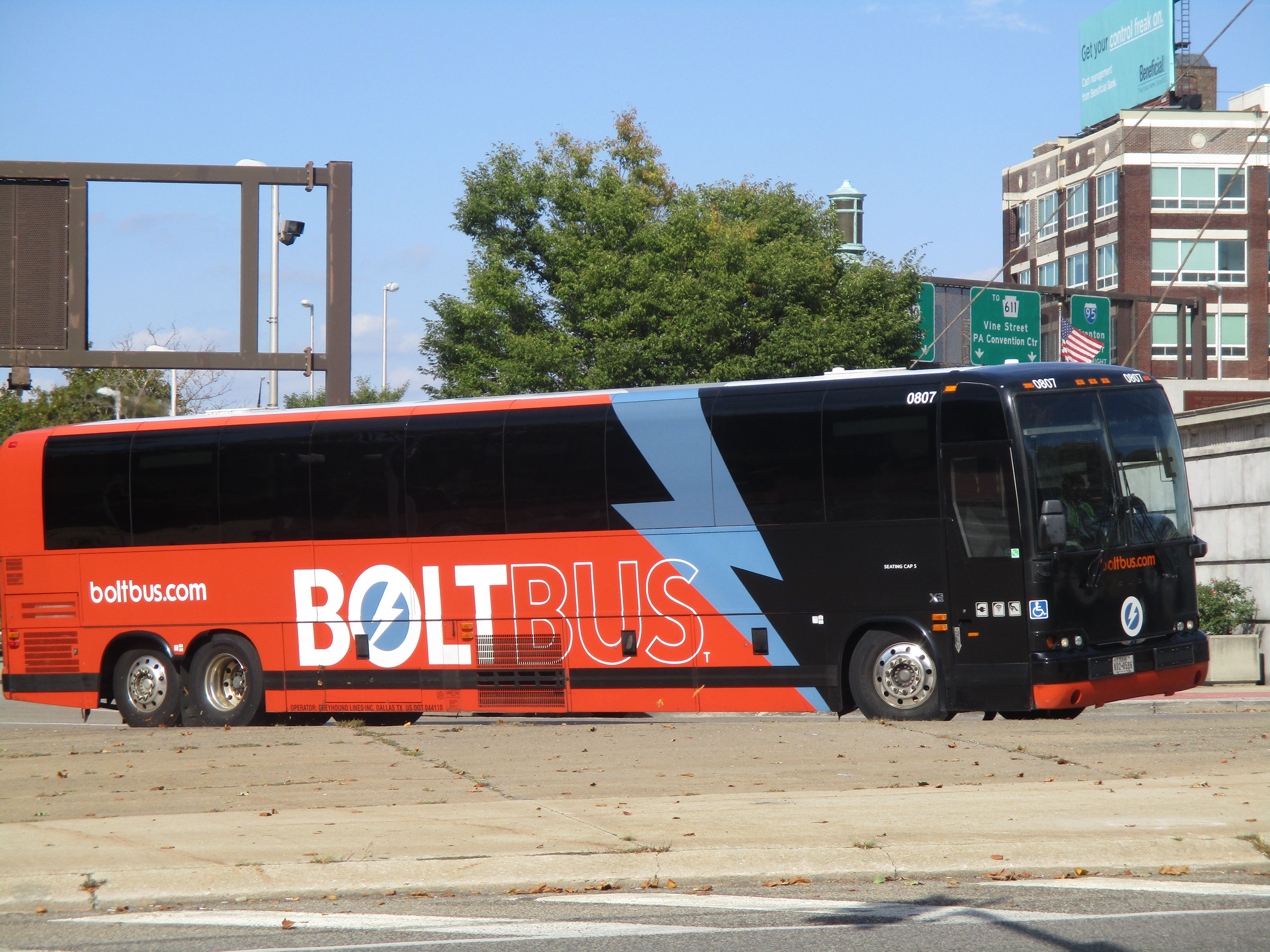 Bolt Bus Prevost In Phila With Images Bus Prevost Bolt