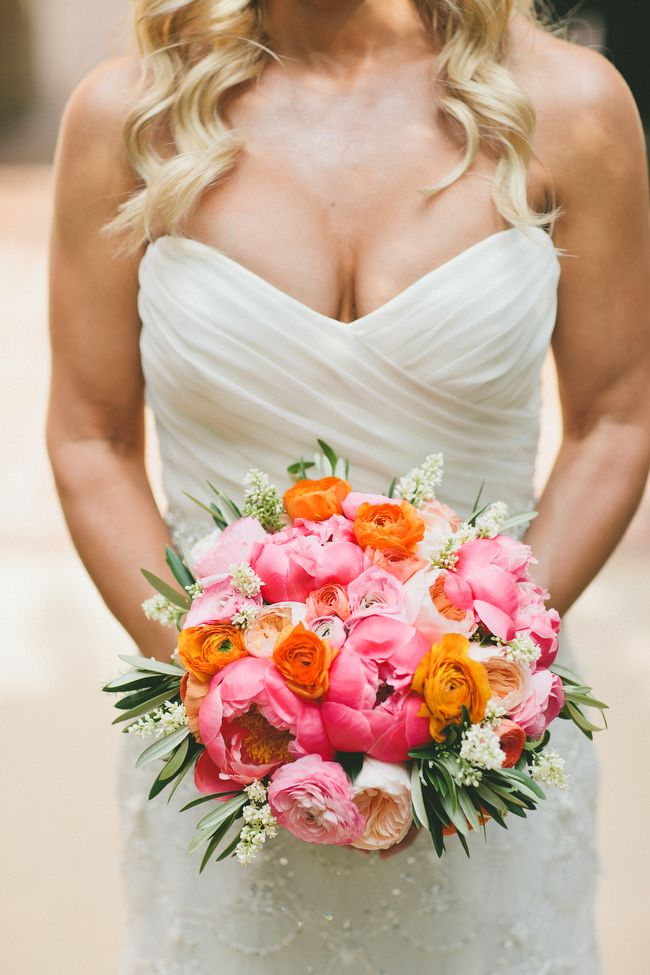 Glamorous Palm Springs Wedding from One Love Photography. To see more: http://www.modwedding.com/2014/09/05/glamorous-palm-springs-wedding-one-love-photography/ #wedding #weddings #bridal_bouquet