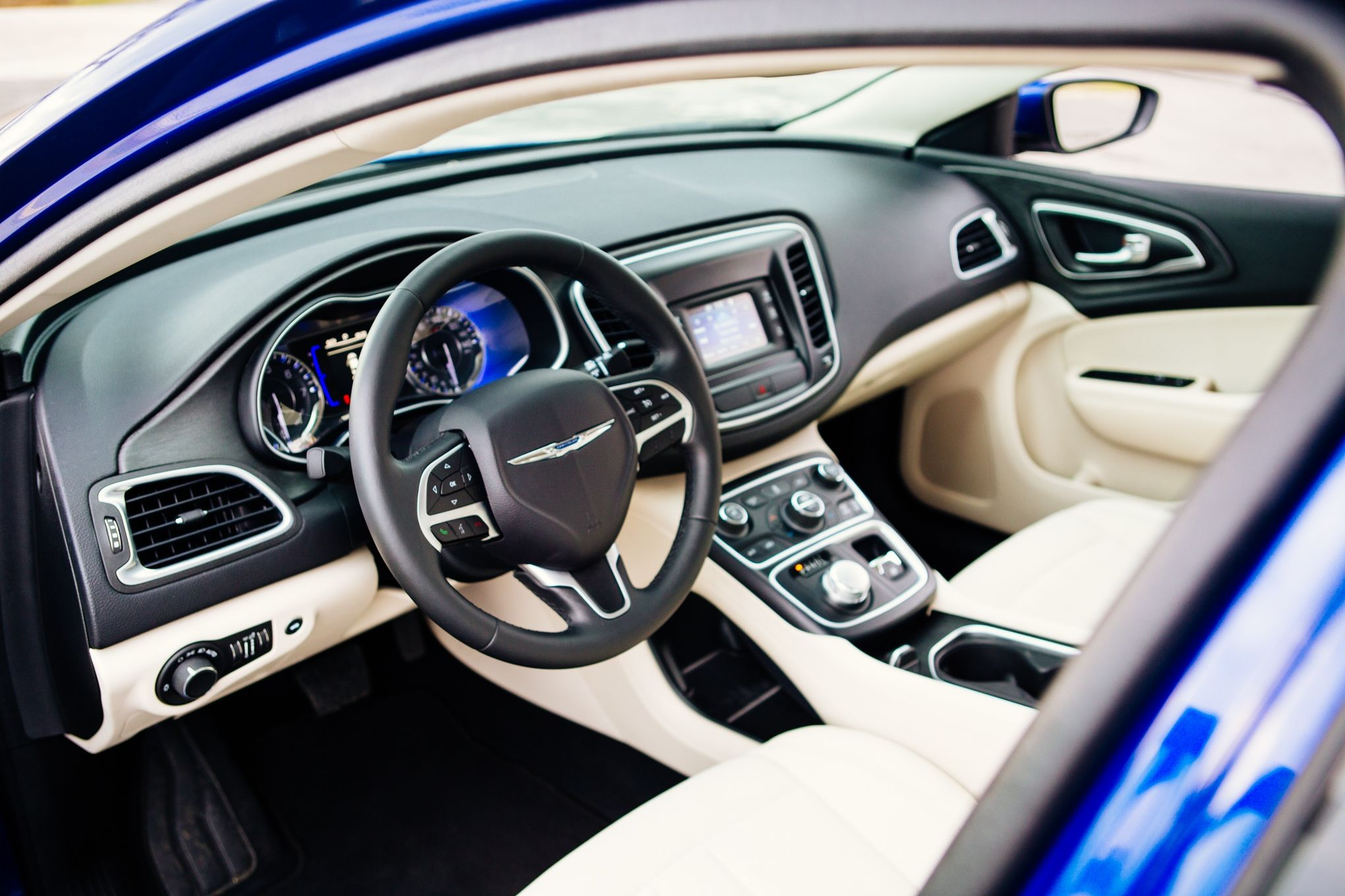 chrysler 200 2015 interior. so this time 2016 chrysler 200 will be offered to the customers with four different types of engines smallest one liter and bigger 2015 interior