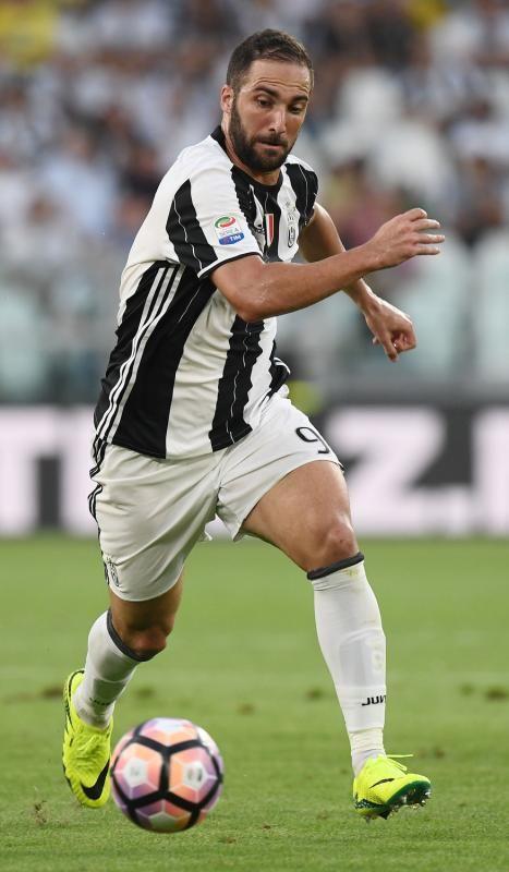 Juventus-Sassuolo. Higuain