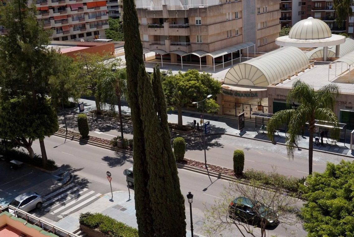 Beautifully renovated #apartment in the CENTRE of #Marbella offering 3 bedrooms, 2 bathrooms, terrace, storage room & garage space. Also enjoying a GREAT location close to all amenities & just a few minutes walk from the #beach, sea promenade & old town! Find out more: R2675240 www.standmarbella.com #realestate #marbella #realestatemarbella #marbellacentre #property #propertymarbella #costadelsol #spain #summer #standinmobiliario #standmarbella