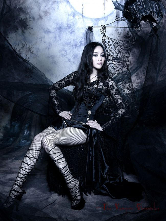 images of beautiful gothic women in black victorian dress. Black Bedroom Furniture Sets. Home Design Ideas
