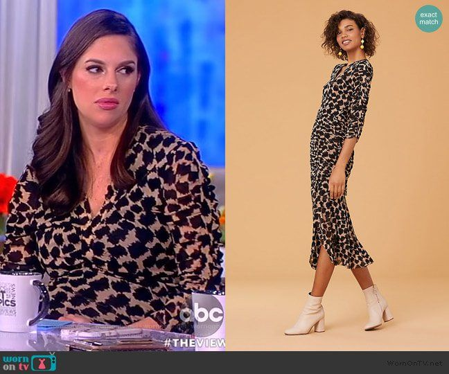 Abby s printed ruched dress on The View. Outfit Details  https   wornontv 51580356f