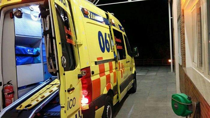 MOSTRAMOS LAS NUEVAS UNIDADES OPERATIVAS EN ORENSE. http://www.ambulanciasyemergencias.co.vu/2015/11/ORENSE.html #Orense #Galicia #061 #Volkswagen #Crafter #Tes #Tts #svb #sva #ambulancias #emergencias