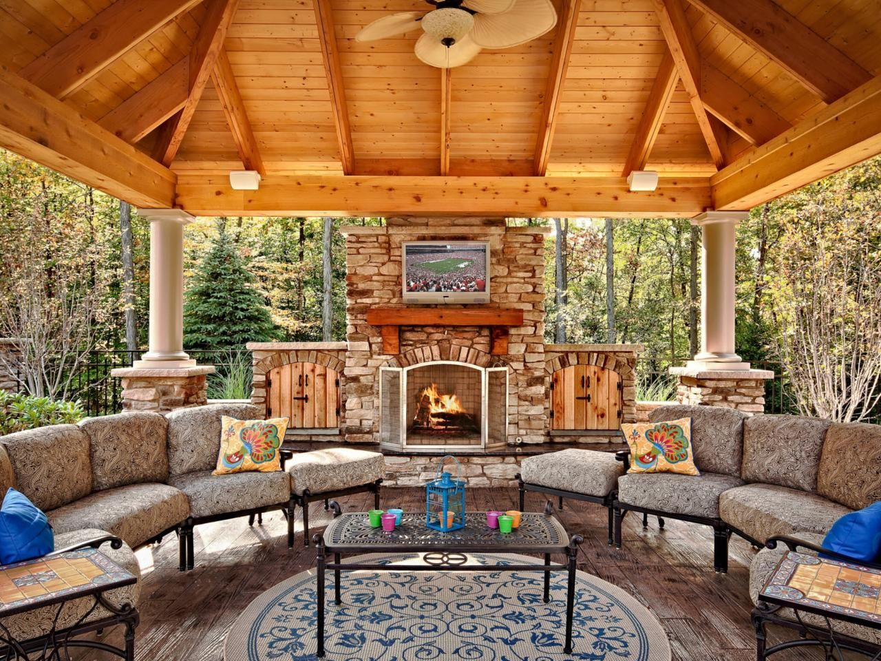 20 Outdoor Rooms with Fireplaces - Interior Paint Color ... on Outdoor Living Contractors Near Me id=99158