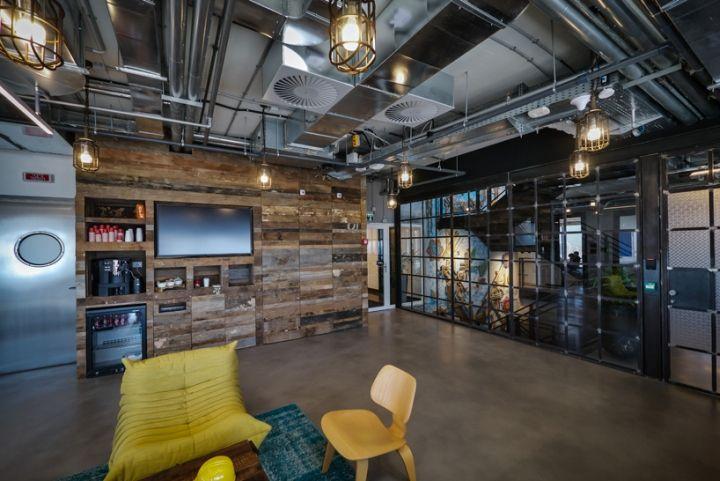 Facebook office custom lighting by Studio Beam Tel Aviv Israel