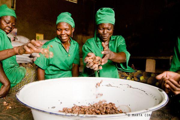 Detrás de nuestros ingredientes; hay grandes mujeres.  https://medium.com/@AhalCosmetica/detr%C3%A1s-de-nuestros-ingredientes-hay-grandes-mujeres-ea2fd246a73f#.j2o5mnyf9