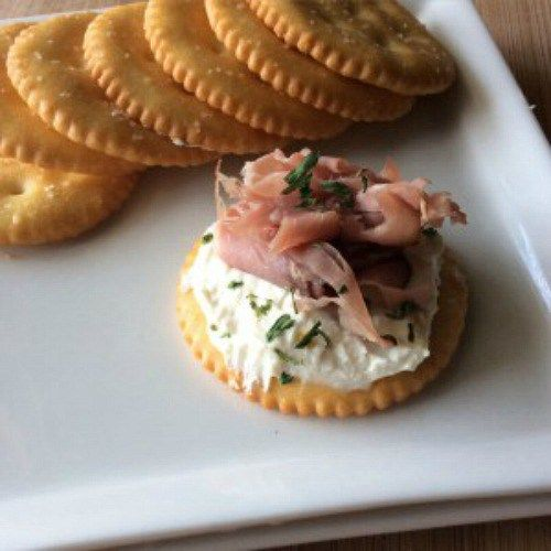 Just the right amount of creamy and crunchy textures, with a little zip of horseradish and the tang of gourmet mustard– Roast Beef & Horseradish Dijon Cream Cheese Snack Crackers couldn't be more perfect. These feisty little bites make a great appetizer for any gathering, an easily pack-able lunch or a quick grab and go …