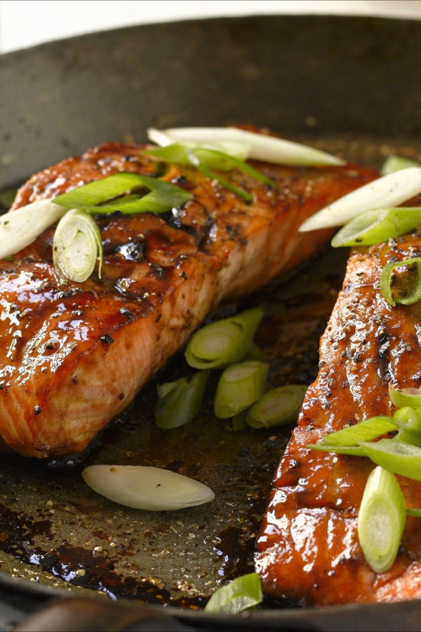 Lachs-Rezept: mit Honig und Balsamessig | EAT SMARTER