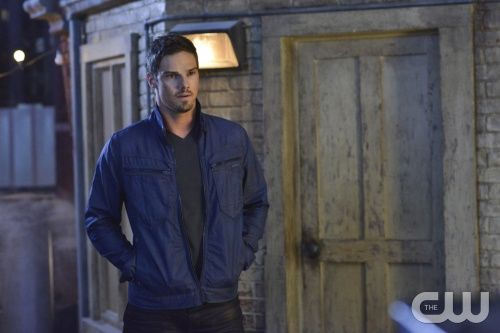 """Beauty and the Beast -- """"Kidnapped"""" -- Pictured: Jay Ryan as Vincent -- Image Number: BB202a_0318.jpg — Photo: Sven Frenzel/The CW -- © 2013 The CW Network, LLC. All rights reserved."""