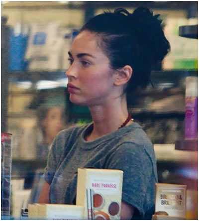 Omg Here Are 15 Heartbreaking Pics Of Megan Fox Without Makeup Megan Fox Without Makeup Megan Fox Pictures Celebs Without Makeup