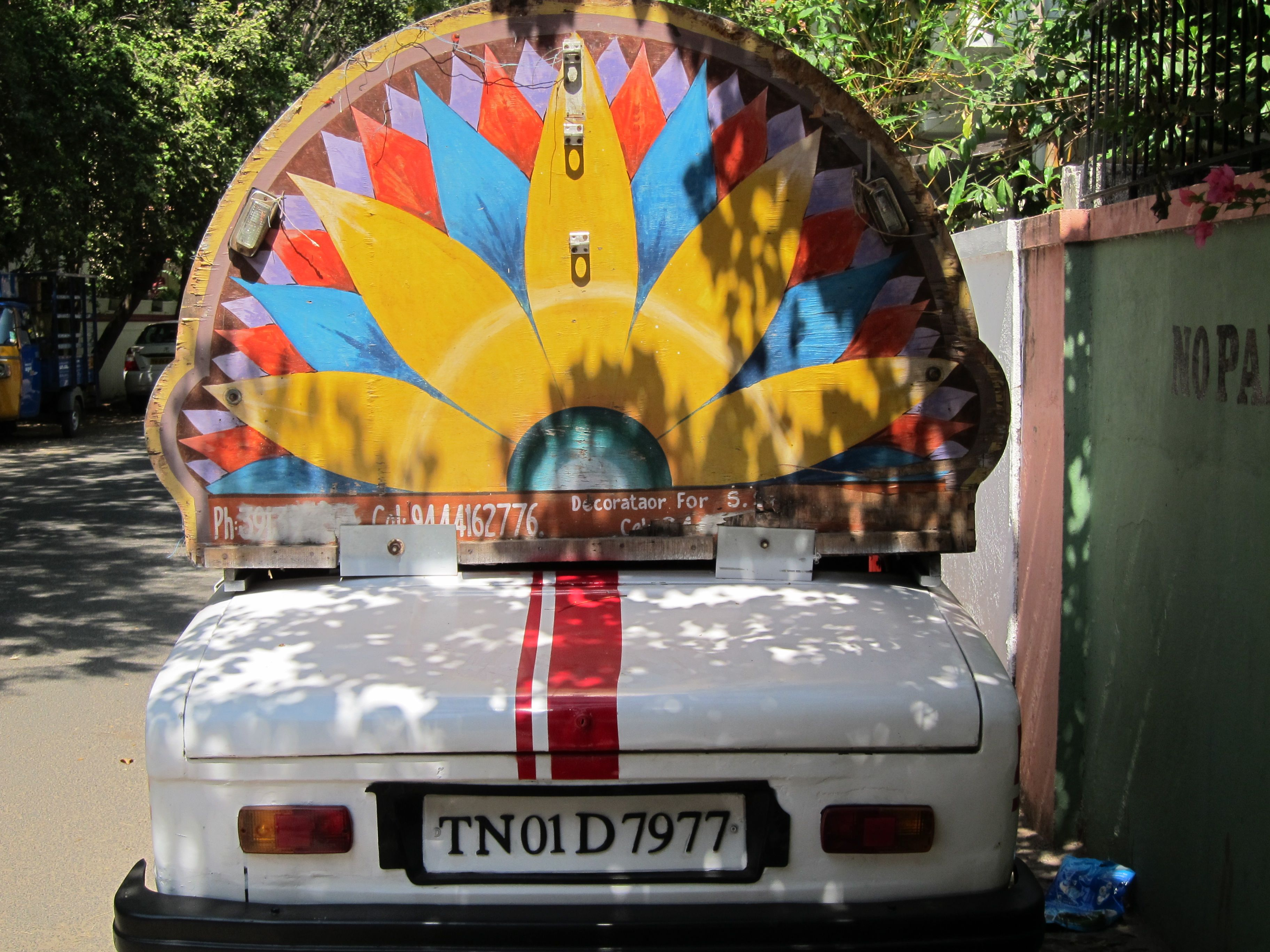 Back of wedding car, Chennai, Tamil Nadu Outdoor bed