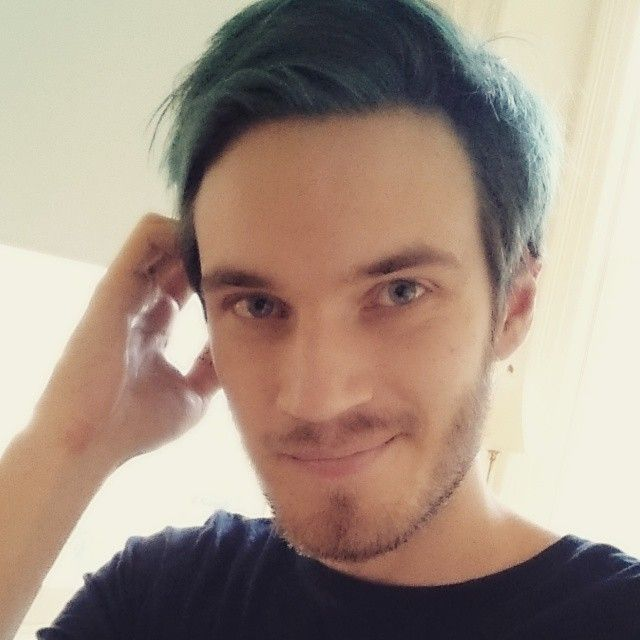 pewdiepie blue hair - Google Search | Youtubers | Pinterest | Blue ...