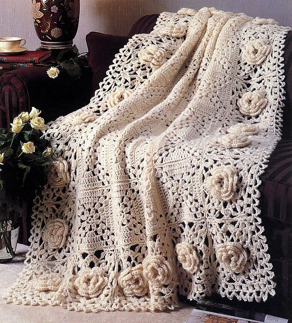 Free pattern beautiful roses afghan granny squares pinterest free pattern beautiful roses afghan crochet dt1010fo