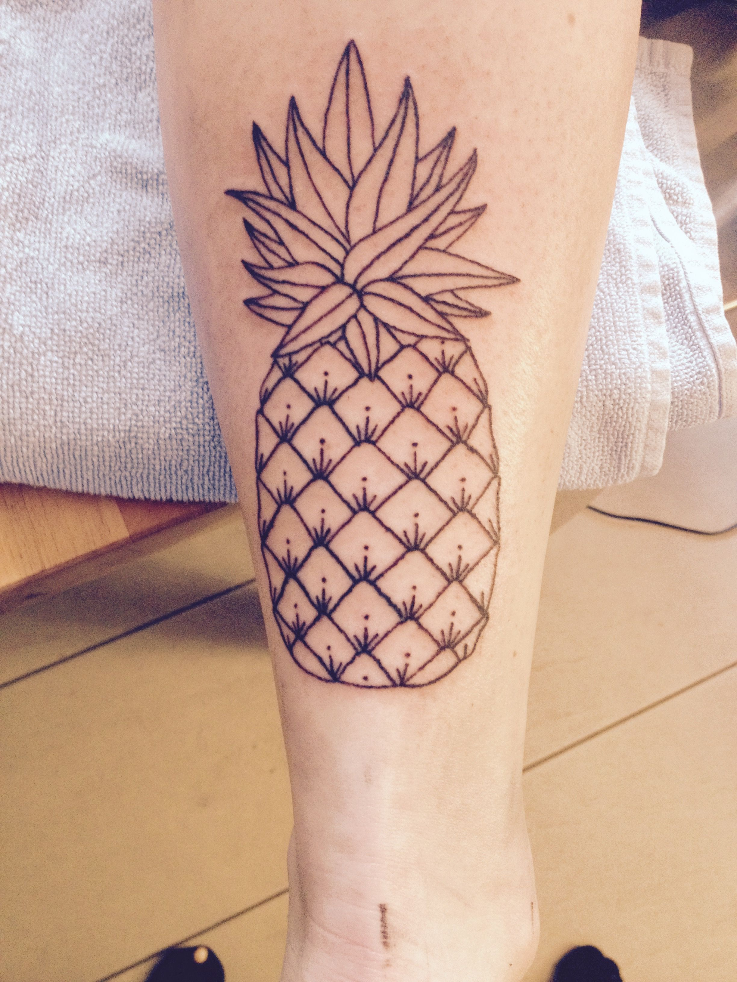 Pineapple tattoo for n. #pinappletattoo