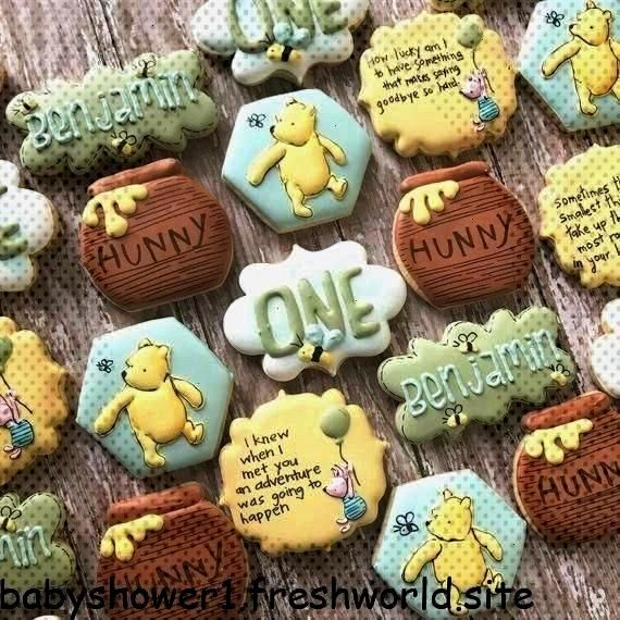 the Pooh cookies/ Winnie the Pooh birthday/ Winnie the Pooh baby shower/ Winni... Classic Winnie th