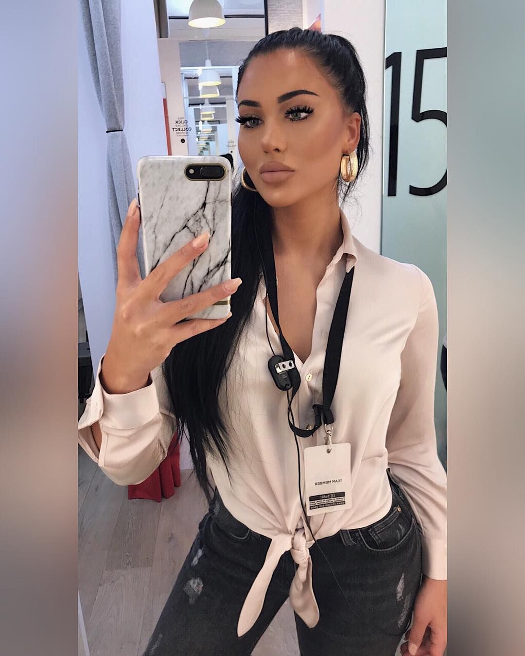 Pinterest V Instagram, Instagram posts, Womens makeup