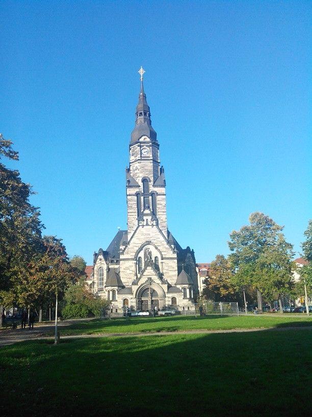 Die Michaelis#Kirche in #Leipzig #Gohlis im strahlenden #Sonnenschein. Für mich fast wie ein #Motiv für eine #Postkarte!