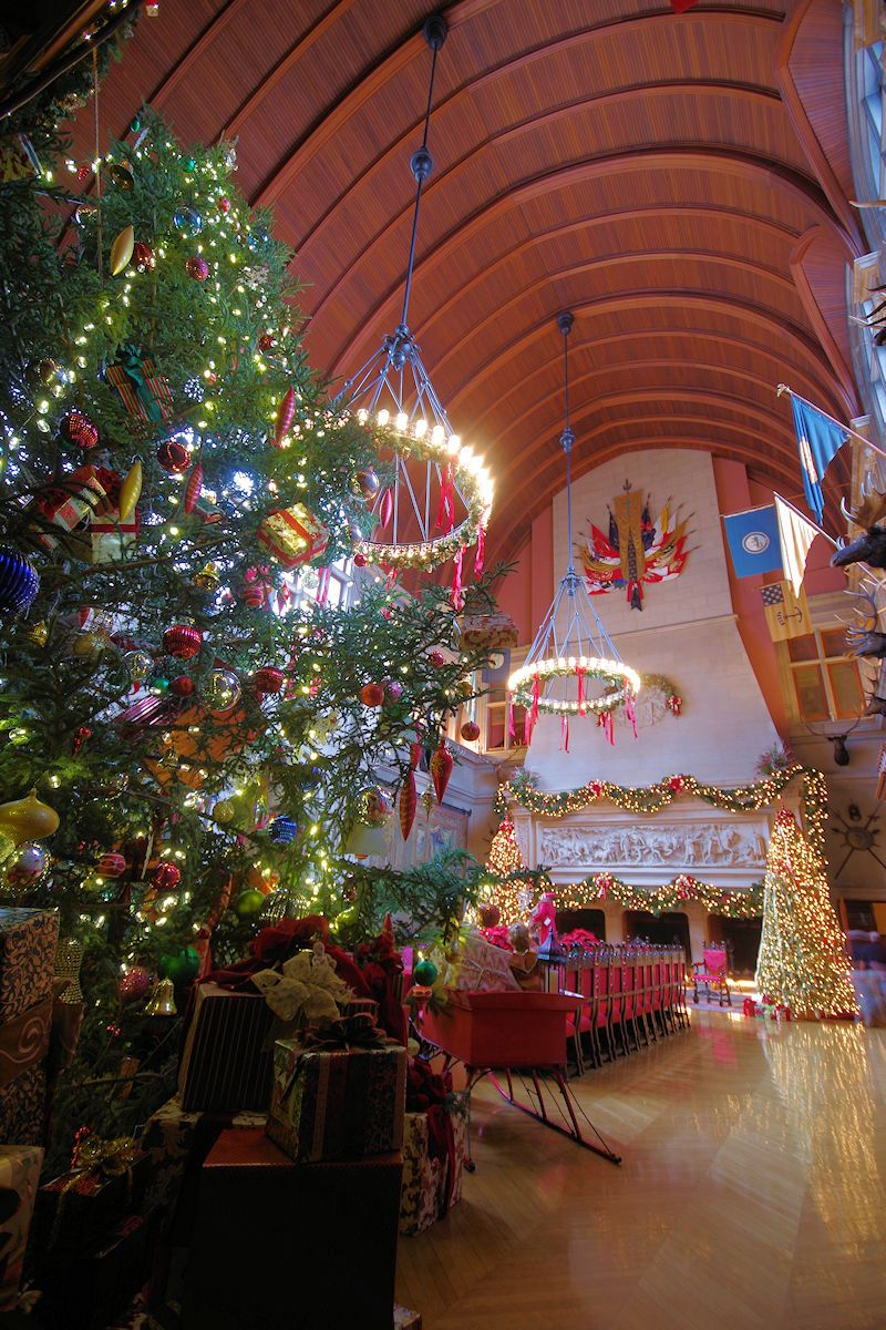 See Our Insideru0027s Guide To Christmas At Biltmore Estate In Asheville With  Photos Of Decorations And Candlelight Tours In Biltmore House, And Top  Things To ...