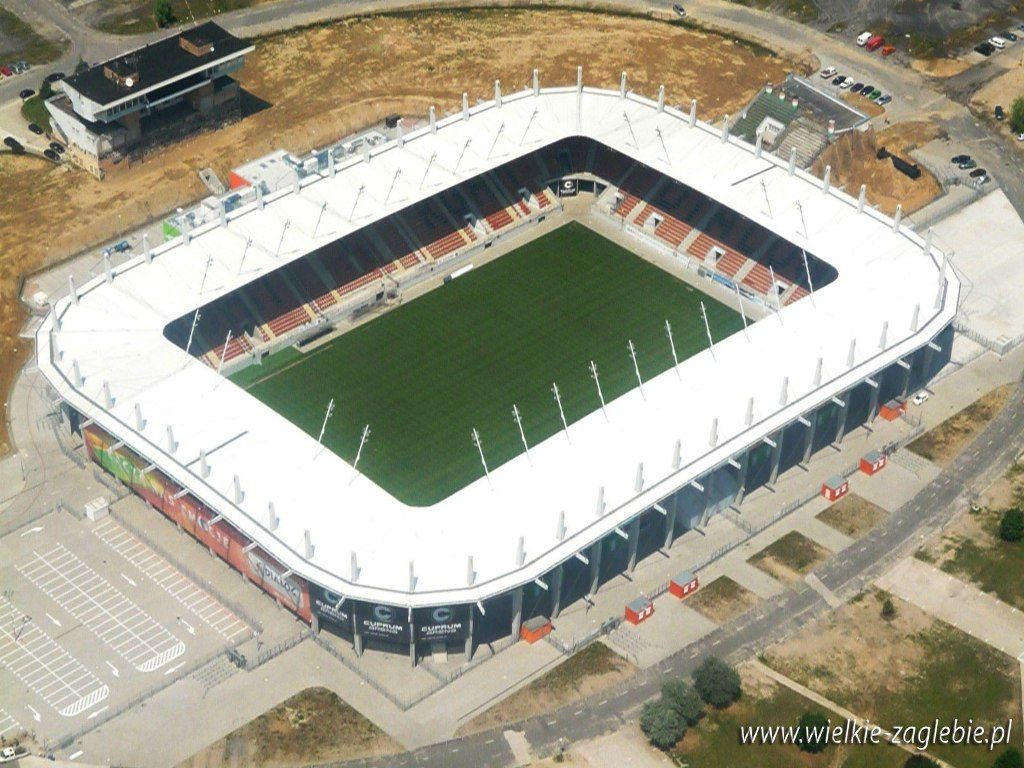 Stadion Zagłębia Lubin, conocido por motivos de patrocinio como Dialog Arena, es el estadio de fútbol ubicado en Lubin, Polonia. Donde es local el equipo Zagłębie Lubin. Capacidad 16.068 espectadores.