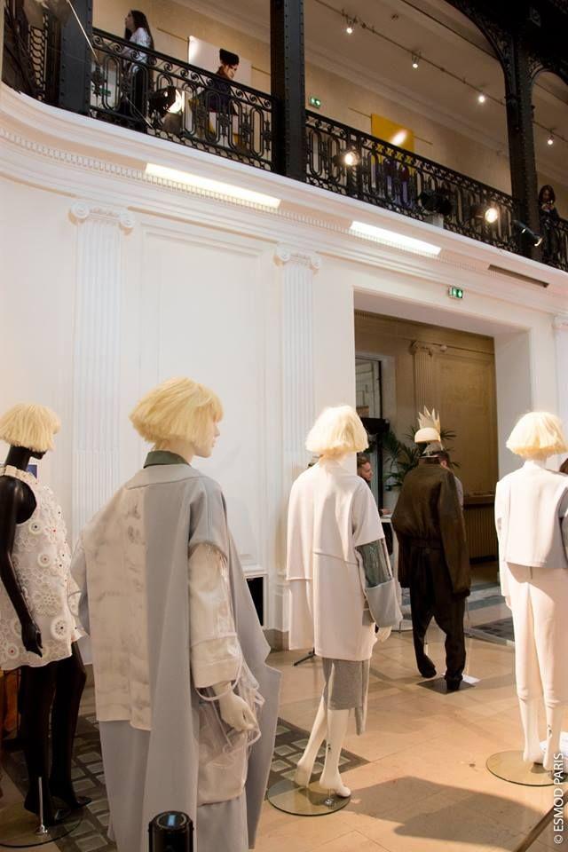 Nos Mannequins Presentent Les Talents De Demain Esmod Fashion School Paris Fw S S 2017 Fashion Industrial Style Paris
