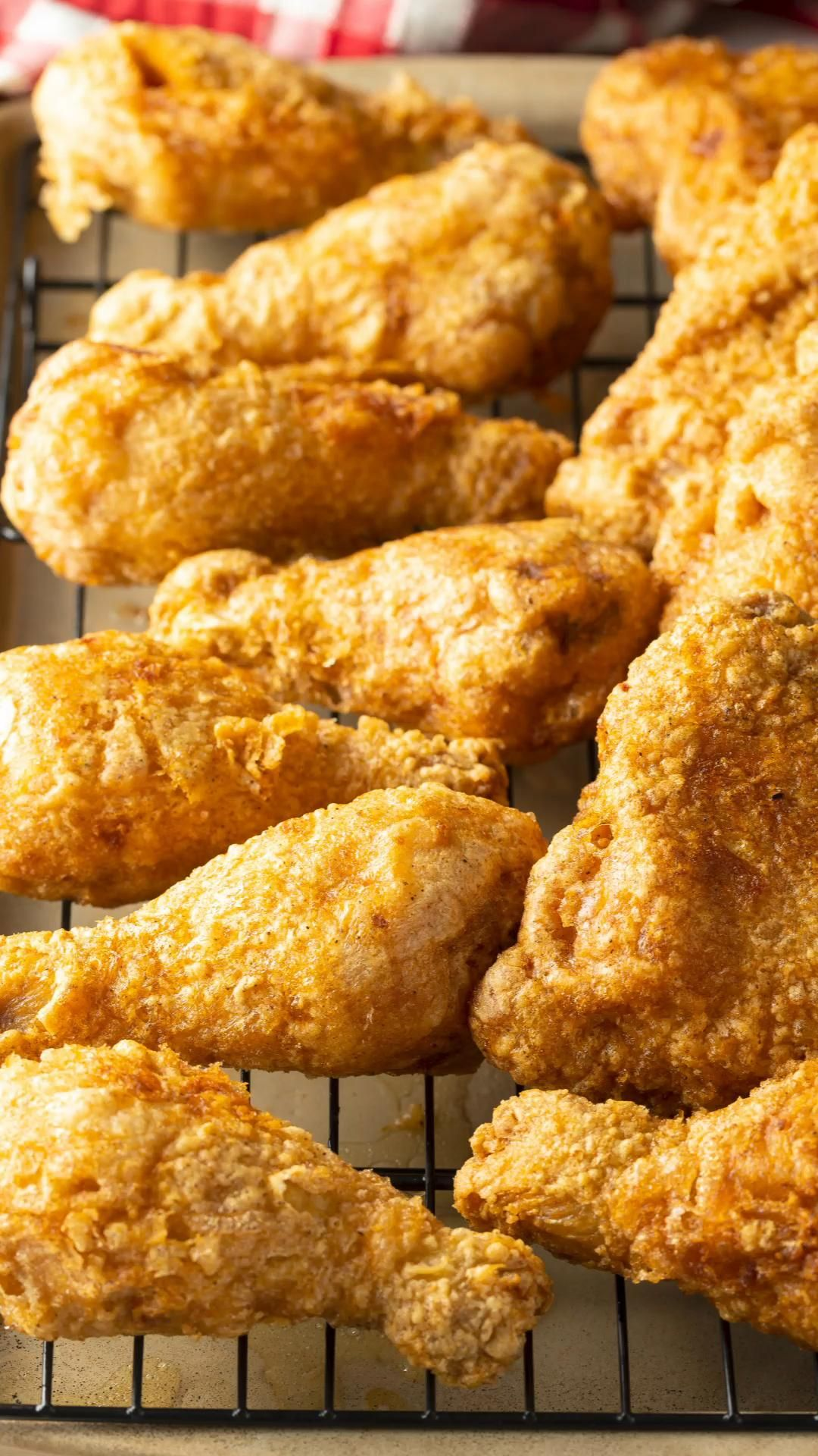 Tavern Fried Chicken Recipe Video In 2020 Best Fried Chicken Recipe Fried Chicken Recipes Cooking Fried Chicken