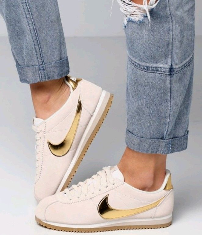 wholesale dealer bc54d 83a0c Nike Womens Classic Cortez SE Atlantic Snickers Shoes Size US 10 Nike