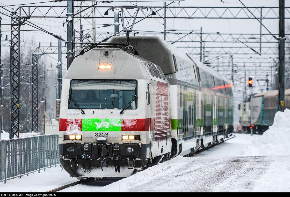 3208 Finnish Railways Sr2 At Kouvola Finland By Arttu U Finland Scandinavian Countries Railway