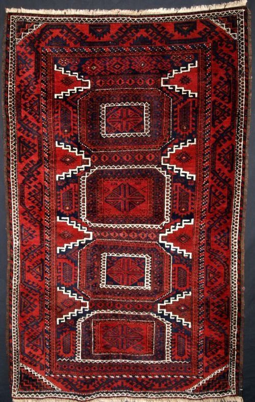 ANTIQUE BALUCH RUG, GOOD DESIGN, EXCELLENT CONDITION, CIRCA 1900. Size: 5ft 9in x 3ft 7in.