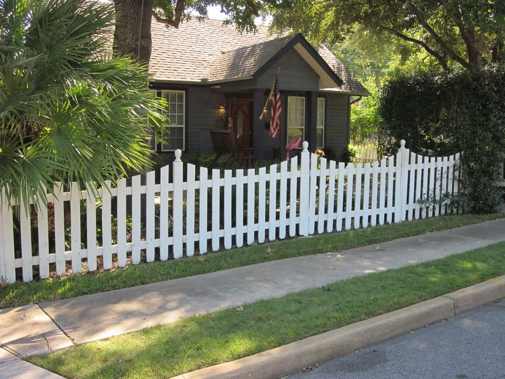 Just Moseying Along Backyard fences, White picket fence