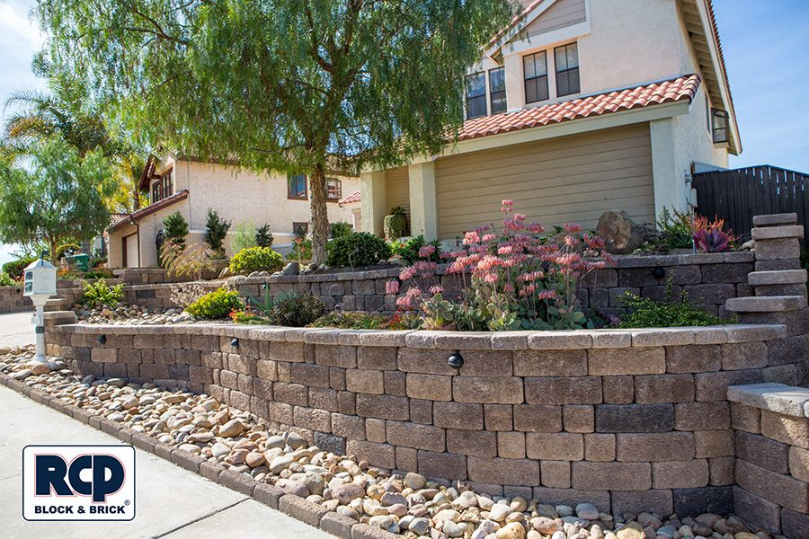 Country Manor Brownstone Retaining Wall Landscaping Retaining Walls Backyard Retaining Walls Retaining Wall