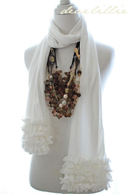 I looovvvve this scarf. Fashion, Cute scarfs, Fabric scarf