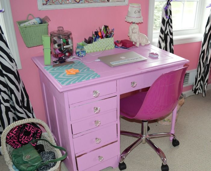 Cute desk used also as vanity make a cute addition to this teenage ...