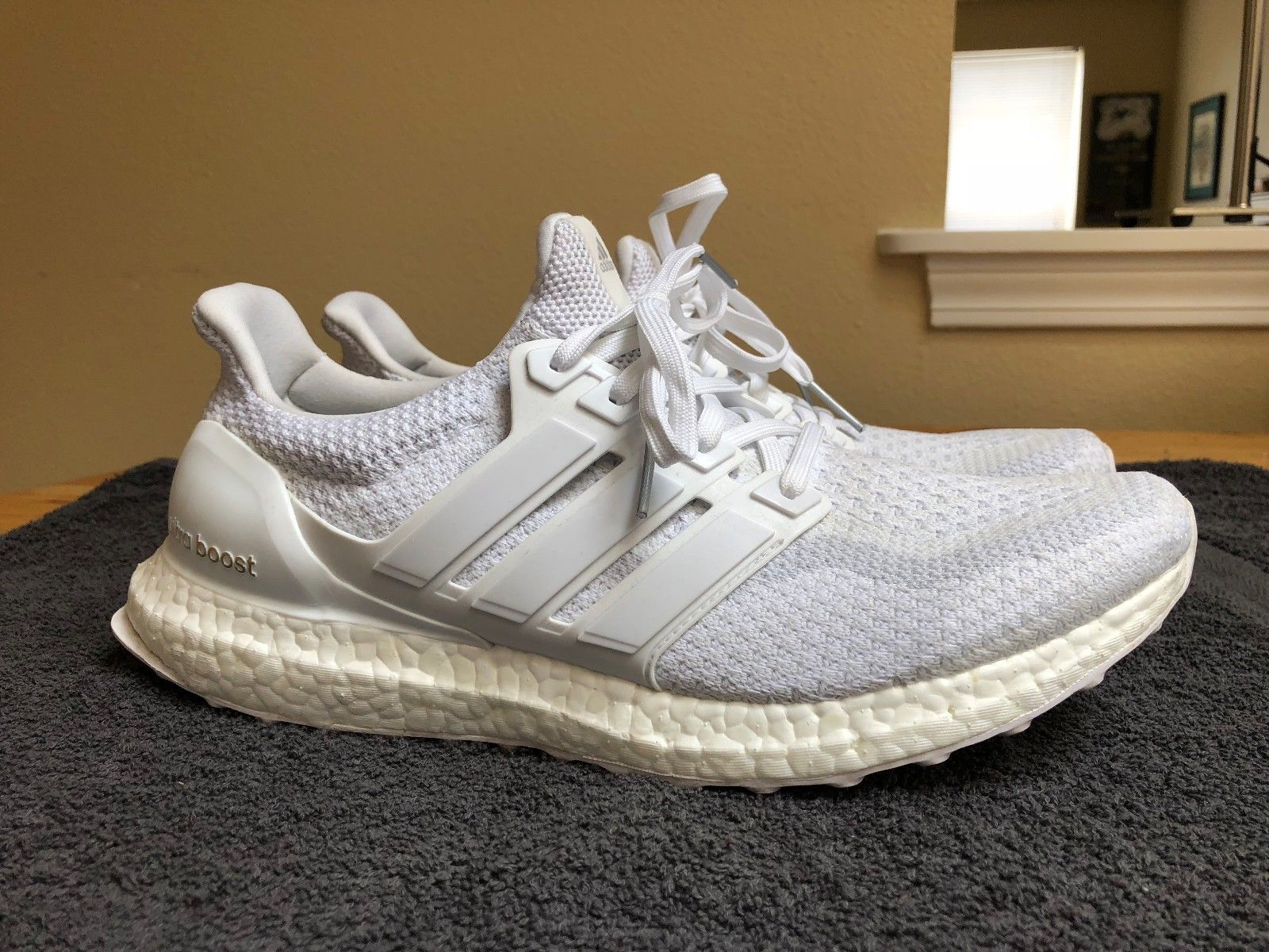 0436c9878c854 Adidas Ultra Boost UltraBoost 2.0 Triple White Aq5929 Size 10.5 Yeezy Kanye