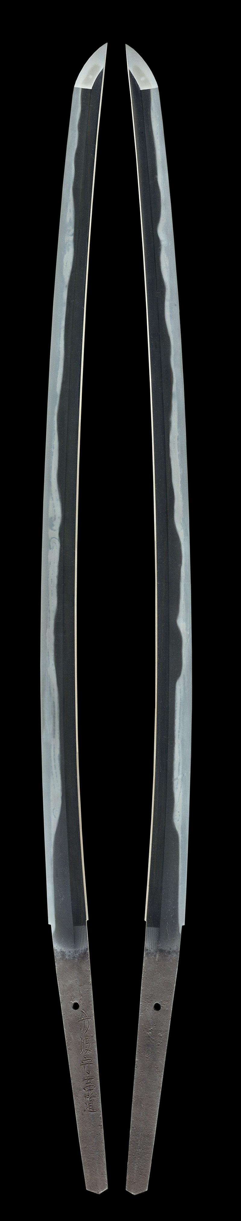 Tanba Kami Yoshimichi Osaka 3rd generation Blade length 46 4 cm or 18 26 inches Shape The blade is rather wide and thick with deeper sori …