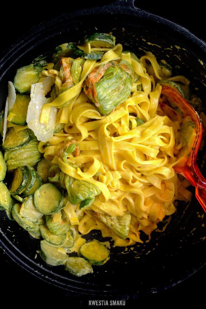 Makaron Z Kwiatami Cukinii Baby Food Recipes Wine Recipes Pasta With Zucchini Flowers