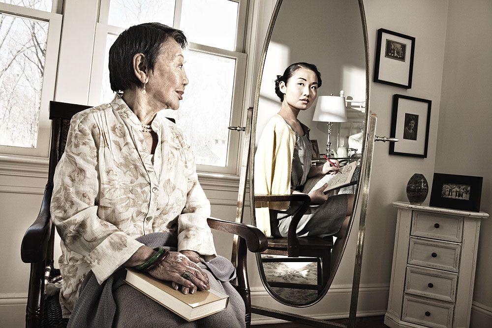 Korean Teacher © Tom Hussey's - Serie Reflections auf http://tomhussey.com/#/SERIES%20%20/Reflections/1