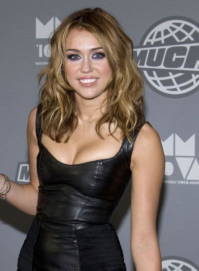 Miley Cyrus Shoulder Length Hair Google Search Medium Hair Styles Thick Hair Styles Wavy Hairstyles Medium