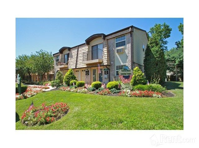 Check Out Chateau Ridge On Rent Com Pine Hill Apartments For Rent Apartment