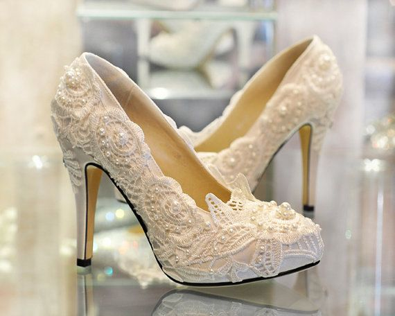 White Lace Wedding Shoes Unique Wedding Shoes Handmade On Etsy 159 00 My Wedding Shoes Chaussure Mariage Chaussures Mariee Talon Mariage