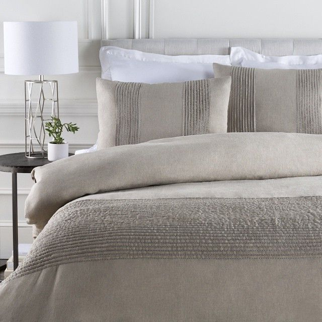 Surya On Instagram How S This For A Relaxing Bedroom New Iinen Upton Bedding Upt 8000 Gavin Metal Tab Duvet Sets Duvet Cover Sets Linen Duvet Cover Grey