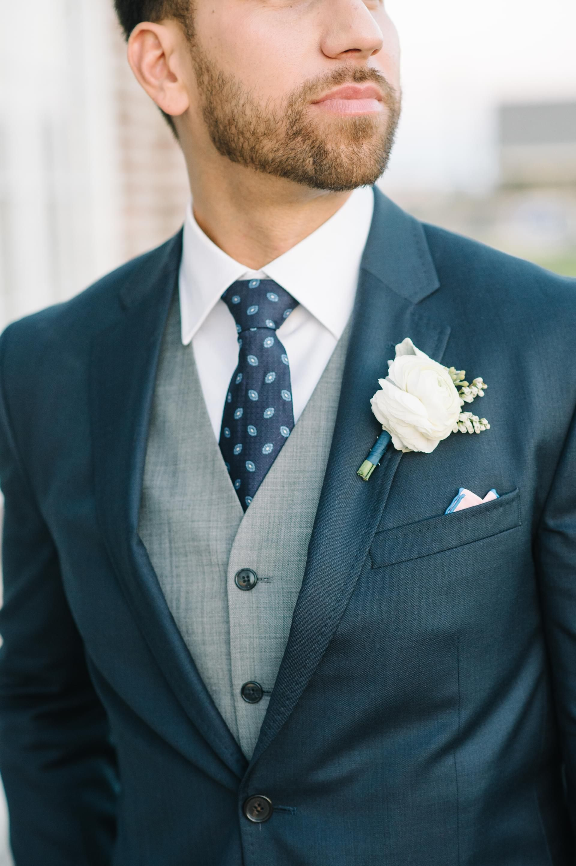 The Smarter Way to Wed | White boutonniere, Boutonnieres and Navy