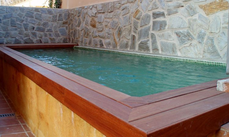 Resultado de imagem para piscinas elevadas obra piscinas for Piscina madera pequena