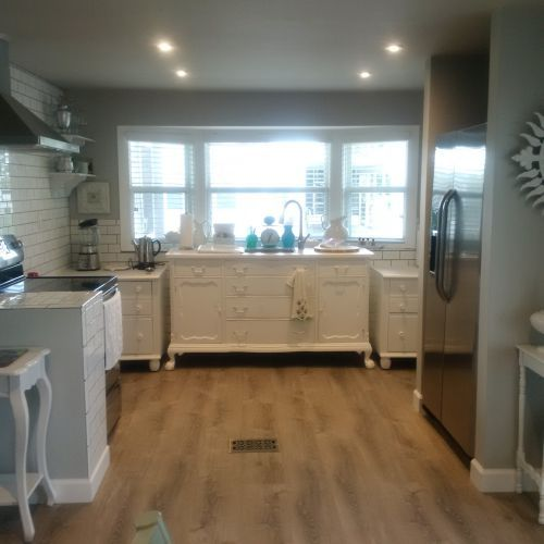 This $45,000 Manufactured Home Renovation is Gorgeous is part of Total home Renovation - This $45,000 manufactured home renovation is gorgeous! A 1979 double wide that cost only $4,500 gets a complete makeover