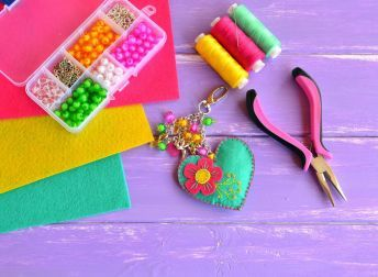 DIY avec les enfants : fabriquez un porte-clés ! |Pratique.fr