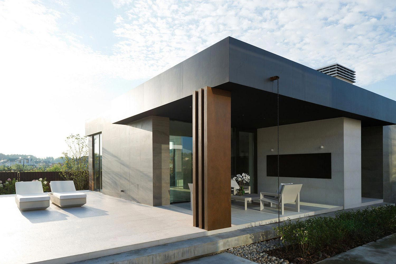 Elegant Contemporary Country House Suburbs Pestovo Russia 11