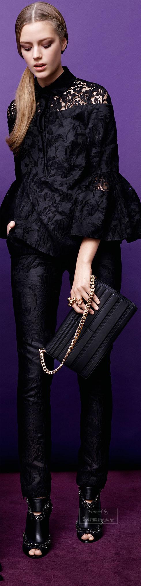 tenue noire chemisier dentelle pantalon en cuir motifs chaussures talons avec des clous. Black Bedroom Furniture Sets. Home Design Ideas