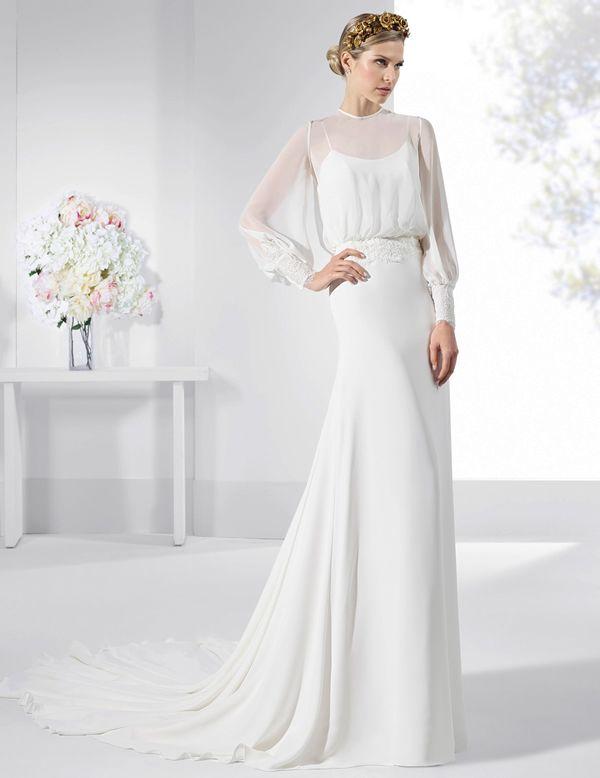 vestidos de novia de estilo romántico con falda lisa y blusa de gasa